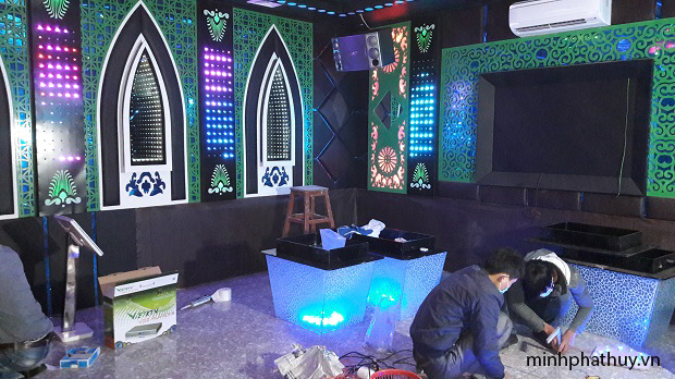 """alt=""""trần thạch cao phòng hát karaoke"""""""