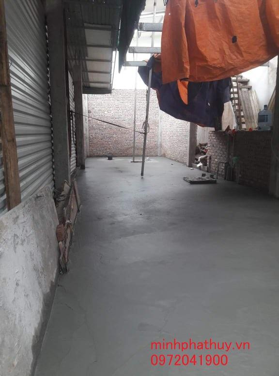 Tháo dỡ và nát nền nhà