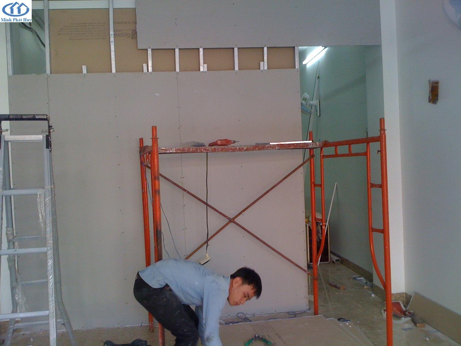 Vách ngăn 2 mặt - giá vách thạch cao ở Hưng Yên